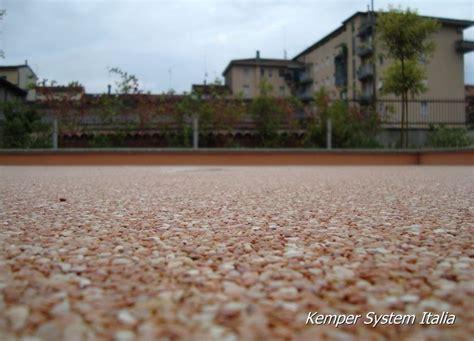 resine impermeabilizzanti trasparenti per terrazzi pavimenti in resina kemco design camminate sull arte