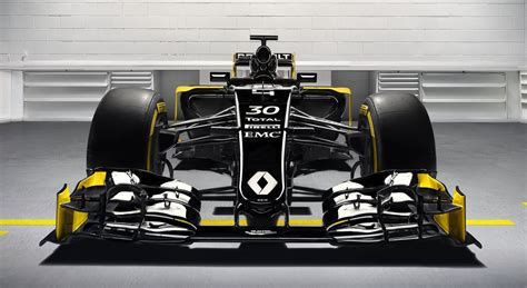 infiniti formula 1 renault sport signs infiniti and bell ross for 2016 f1
