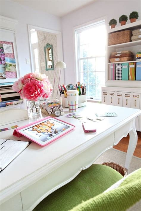 Ideas To Decorate Your Office Desk Office Desk Decorating