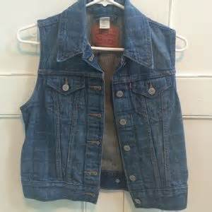 Carry Jaket Coral Jaket Levis Mocca Denim Levi S 50 levi s jackets blazers levi s coral corduroy crop jacket from neon suggested user s