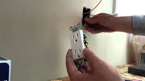 how to install an electrical outlet duplex