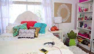 bethany mota s fall decor bedroom ideas