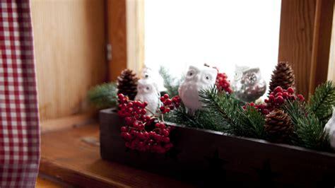 addobbi natalizi da appendere al soffitto westwing addobbi natalizi per finestre colorati e