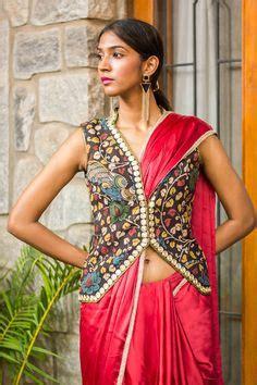 low hip saree draping asha sarath hot in low hip saree photos sexy mallu serial