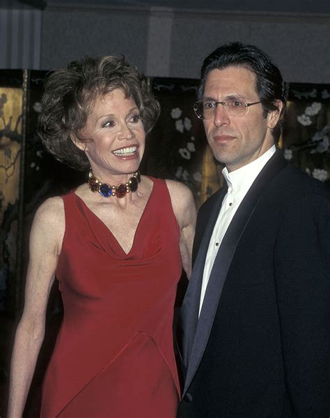marytylermooreshealth download image mary tyler moore pictures pc mary tyler moore s tragic final days shocking 911 calls