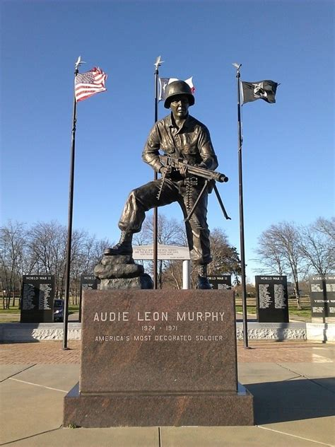 When Did Audie Murphy Died by What Did Audie Murphy Do In War To Become So Heroic Quora