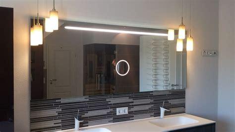 spiegel mit integriertem tv 17 best ideas about badspiegel beleuchtet on