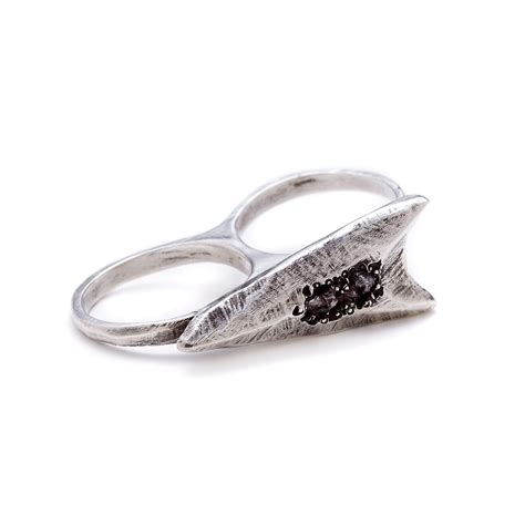 blackened sterling silver two finger arrowhead ring with