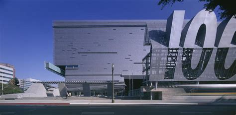 chicago flashback the and events that shaped a cityã s history books flashback caltrans district 7 headquarters morphosis