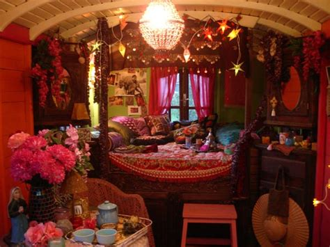 gypsy style home decor liz blair s art design and fashion gypsy caravan