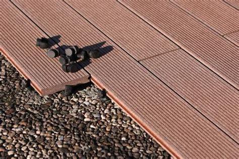 Pvc Boden Auf Balkon Verlegen by Bodenbelag F 252 R Balkon Und Terrasse Wpc Holz Oder Stein