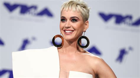 bio katy perry twitter katy perry celebrity profile singer hollywood life