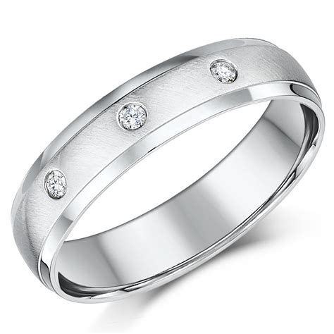 5mm 9ct white gold court shaped wedding ring band