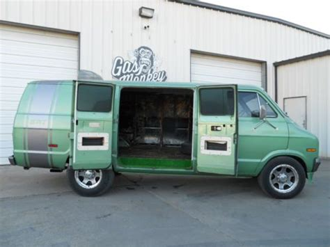sell   dodge   ton maxi van offered  gas