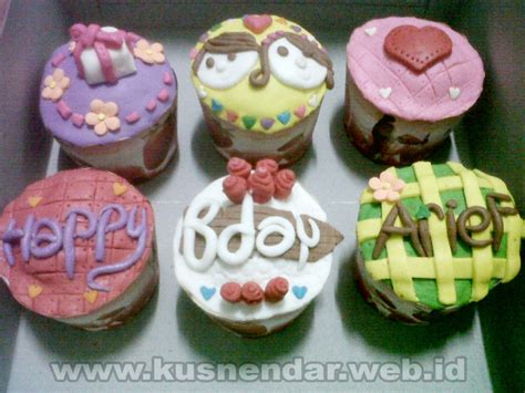 Hiasan Paling Josss Topper Cupcakes Topper Happy Birthday By Esslshop hiasan cup cake cake ideas and designs