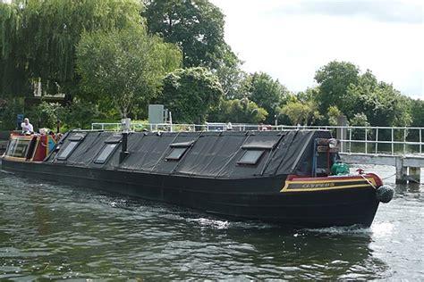 narrow boat horn file narrowboat at laleham surrey england jpg