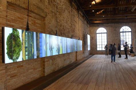 Pavillon Kunst by In Den Biennale Pavillons Stellen Die Nationen Ihre Kunst