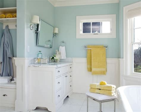 benjamin woodlawn blue master bath color now for towels accent colors yellow