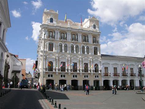 home design plaza quito ecuador quito 02 07 old quito plaza grande archbishops palace