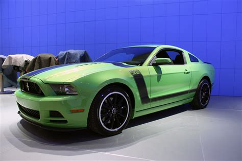 2013 ford mustang 302 2013 ford mustang 302 gotta it green photo