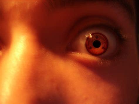 imagenes de ojos sharingan poner sharingan en los ojos