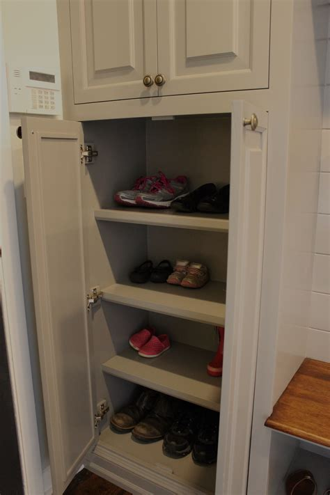 mudroom shelves 12 oaks two diy addicts transforming a home and 5 acre
