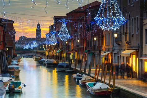 venice canals christmas lights 19 photos that will get you excited for christmas