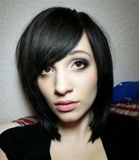black hair swoop bang 30 magnifiques id 233 es de coupes pour cheveux courts et mi
