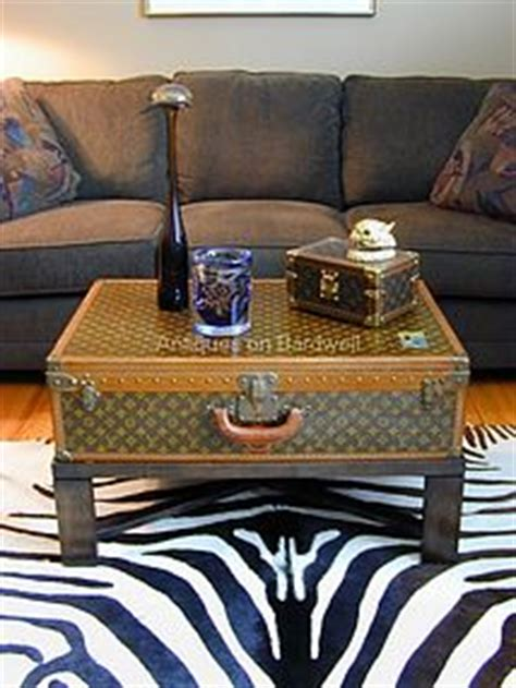 Coffee tables that