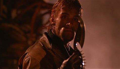 aktor film cobra knives in the movies get a knife