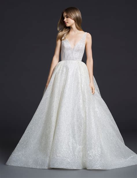 Fall Style Wedding Dresses by New Wedding Gowns From Lazaro Arrive At Stardust