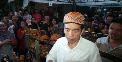 Tukang Mebel Jadi Presiden Kisah Perjalanan Jokowi ruhut tidak pantas tukang mebel jadi presiden dobel d n