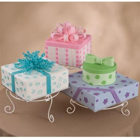 Wilton Cake Decorating Classes by 21 Best Images About Gift Box Cakes On