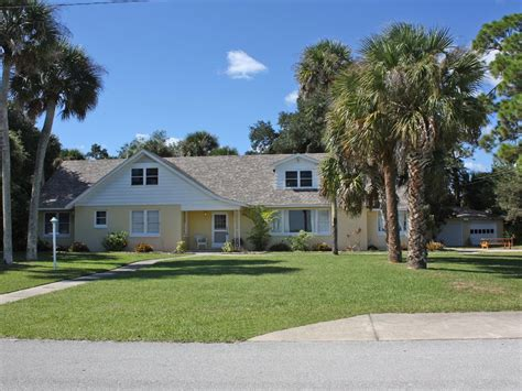 South Of Daytona River House 3 Acres Waterfront Daytona Cottages For Rent