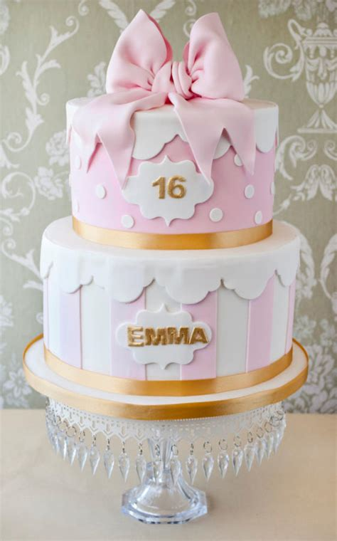 Hat Box Style Th  Ee  Birthday Ee   Cake Cake By Windsor Craft