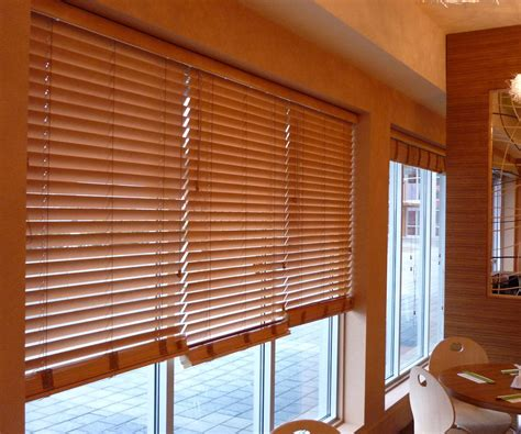 persianas de madera decoraci 243 n con persianas de madera screenvogue screens