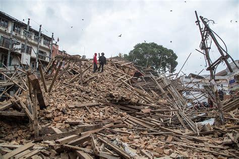 earthquake of nepal devastating 7 8 magnitude earthquake in nepal gizmodo