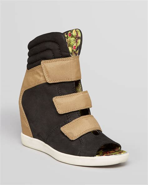peep toe sneaker wedges peep toe sneaker wedges 28 images gucci peep toe gg