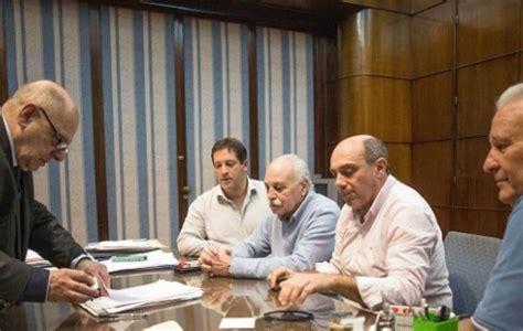 el intendente autoriz un aumento salarial del 12 por municipales de mar del plata acordaron un aumento salarial