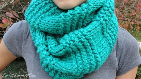 knitting pattern for infinity scarf on straight needles quick easy knitted infinity scarf