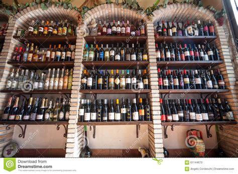 scaffali per cantina scaffali di negozio vino negozio della cantina