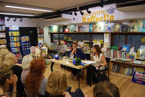 libreria raffaello napoli espresso napoletano wanda marasco finalista al premio