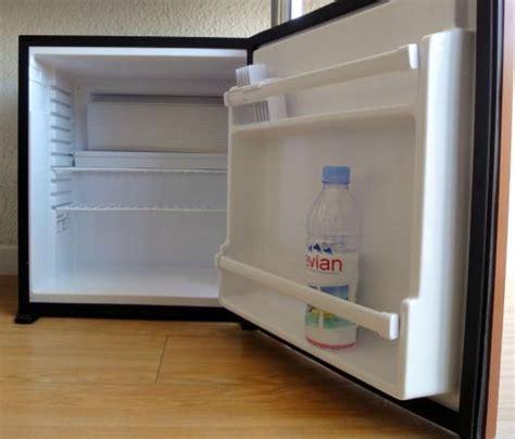 frigo chambre un mini frigo vide dans chaque chambre picture of hotel centre plage argeles sur mer