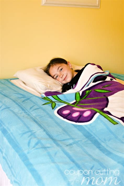 zippy bed zippy sack is the easy way for kids to make their beds