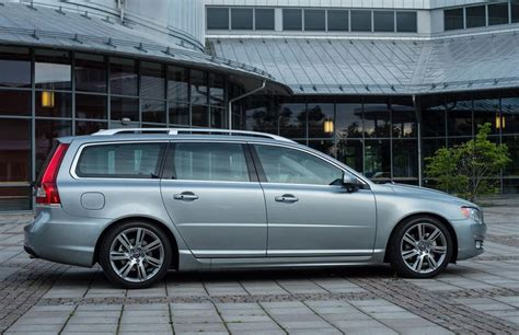 volvo estate v70 volvo v70 estate car wagon 2013 reviews technical