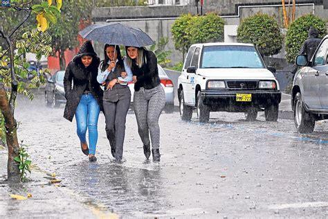 imagenes fuertes ecuador fuertes lluvias para la costa seg 250 n el erfen el diario