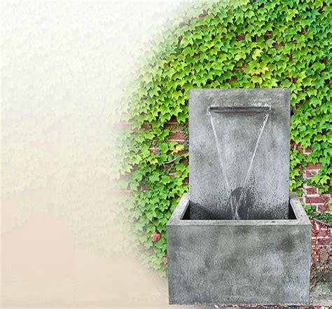 wandbrunnen modern moderner wandbrunnen f 252 r den garten aus zink kaufen