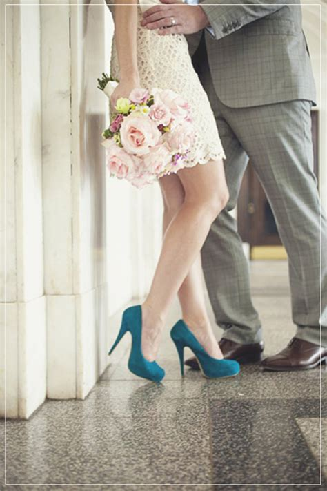 tips  planning  small courthouse wedding