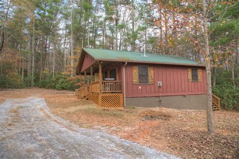 Cabins At Chimney Mountain by 2 Bdr Pet Friendly Vacation Cabin Near Helen Ga Chimney