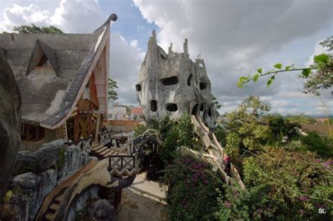 crazy house world of mysteries dalat crazy house in vietnam 51 pics